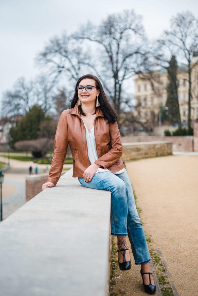 etiketa astylová žena